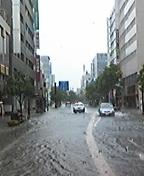 豪雨により佐賀市内冠水